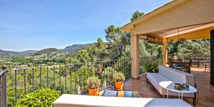 Mediterranean finca in a quiet location with panoramic views in Puigpunyent (Thumbnail 1)