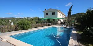 Finca with pool near Porreres with panoramic landscape views (Thumbnail 1)