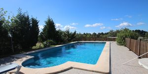 Finca with pool near Porreres with panoramic landscape views (Thumbnail 3)