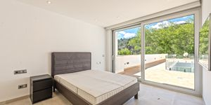 Modern house with perfect sea views in Soller (Thumbnail 5)