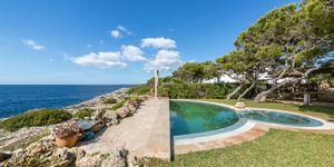Středomořská vila v první linii s výhledem na moře v klidné lokalitě, Portopetro, Malorka (Thumbnail 2)