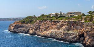 Villa in Cala Pi - Top-moderne Immobilie in erster Meereslinie (Thumbnail 1)
