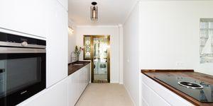 Luxuriöses Apartment mit privatem Garten und tollem Meerblick in Cala Vinyas (Thumbnail 6)