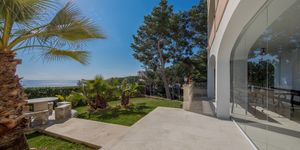Luxuriöses Apartment mit privatem Garten und tollem Meerblick in Cala Vinyas (Thumbnail 1)