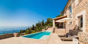 Completely renovated property with sea views in Deiá (Thumbnail 10)