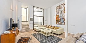 Renoviertes Duplexapartment in renoviertem Altstadt-Gebäude in Palma (Thumbnail 1)