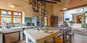 Rustic finca in Esporles with guest house (Thumbnail 4)