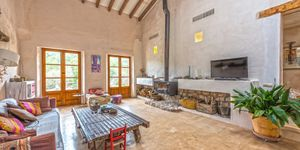 Rustic finca in Esporles with guest house (Thumbnail 1)