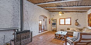 Rustic finca in Esporles with guest house (Thumbnail 10)