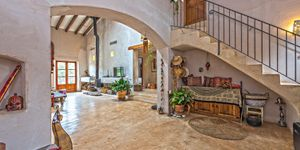 Rustic finca in Esporles with guest house (Thumbnail 2)