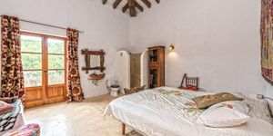 Rustic finca in Esporles with guest house (Thumbnail 6)