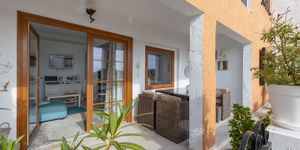 Renovated apartment with sea views in Cala Fornells (Thumbnail 2)