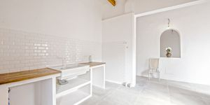Partly renovated apartment with terrace in Palma de Mallorca (Thumbnail 6)