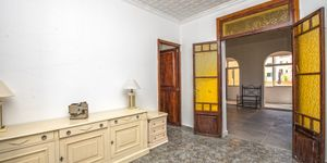 Partly renovated apartment with terrace in Palma de Mallorca (Thumbnail 10)