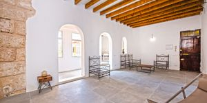 Partly renovated apartment with terrace in Palma de Mallorca (Thumbnail 3)