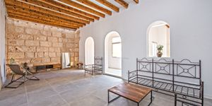 Partly renovated apartment with terrace in Palma de Mallorca (Thumbnail 5)