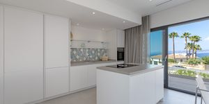 Newly built terraced house with pool and amazing sea view (Thumbnail 8)
