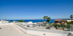 Newly built terraced house with pool and amazing sea view (Thumbnail 9)