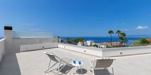 Newly built terraced house with pool and amazing sea view (Thumbnail 1)