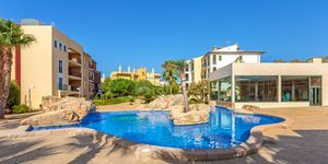 Holiday apartment in well maintained complex close to the beach in Santa Ponsa (Thumbnail 1)