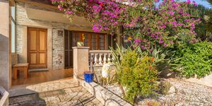 Well maintained townhouse close to the harbor in Portocolom (Thumbnail 1)