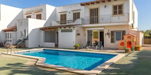 Well maintained townhouse close to the harbor in Portocolom (Thumbnail 2)