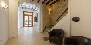 Stadthaus in Llucmajor - Perfekt renovierte Immobilie mit viel Charme (Thumbnail 2)