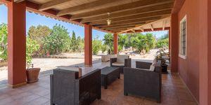 Finca in Ses Salines - Gepflegtes Landhaus mit Pool und großem Grundstück (Thumbnail 3)