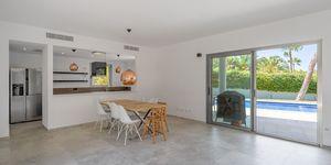 Villa in Santa Ponsa - Modernisiertes Anwesen mit Teilmeerblick (Thumbnail 5)