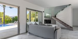 Villa in Santa Ponsa - Modernisiertes Anwesen mit Teilmeerblick (Thumbnail 6)