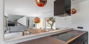 Villa in Santa Ponsa - Modernisiertes Anwesen mit Teilmeerblick (Thumbnail 8)