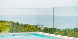 Luxus Villa in exklusiver Wohnlage und Weit-Meerblick (Thumbnail 3)