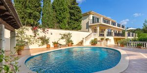 Villa with sea views in a quiet location of Son Font, Calvia (Thumbnail 1)