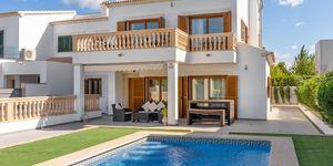 Großzügige Doppelhaushälfte mit Pool an der Südküste (Thumbnail 1)
