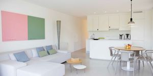 Beach apartment in Santa Ponsa for sale (Thumbnail 3)