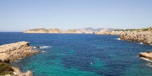 Wohnung in 1. Meereslinie und Blick auf die Malgrats Inseln (Thumbnail 9)