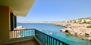 Wohnung in 1. Meereslinie und Blick auf die Malgrats Inseln (Thumbnail 1)