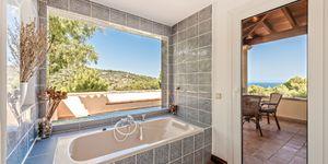 Středomořská vila s výhledem na moře v městečku Deiá, Mallorca (Thumbnail 10)