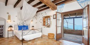 Historic country house with lots of charm and sea views in Estellencs (Thumbnail 5)