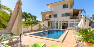 Spacious finca with pool in Ses Salines (Thumbnail 3)