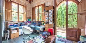 Luxury villa with large plot in Esporles (Thumbnail 8)
