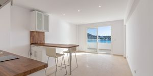 Renovated beach apartment for sale in Santa Ponsa (Thumbnail 2)