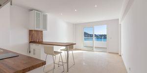 Renovated beach apartment for sale in Santa Ponsa (Thumbnail 2)
