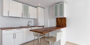 Renovated beach apartment for sale in Santa Ponsa (Thumbnail 3)