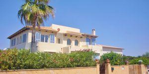 Mediterrane Meer- und Hafenblick Villa mit 3 getrennten Wohneinheiten in Portocolom (Thumbnail 1)