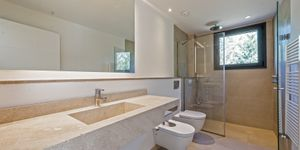 New build villa with large plot in Esporles (Thumbnail 4)