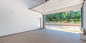 New build villa with large plot in Esporles (Thumbnail 8)