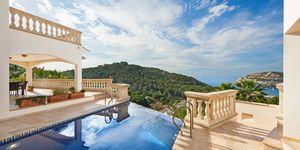 Vila se dvěma samostatnými obytnými jednotkami a panoramatickým výhledem na moře na Malorce (Thumbnail 1)