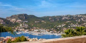 Vila se dvěma samostatnými obytnými jednotkami a panoramatickým výhledem na moře na Malorce (Thumbnail 2)