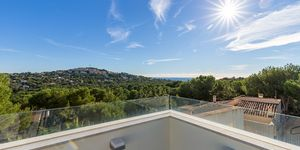 Modern villa with holiday rental license for sale in Santa Ponsa (Thumbnail 3)